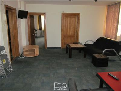 Inchiriere Apartament 3 Camere Semidecomandat In Centru