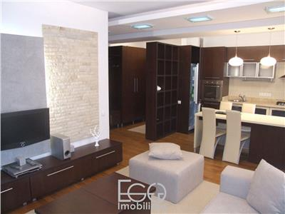 Inchiriere Apartament 2 CAmere+Garaj In Mihai Viteazu In Centru