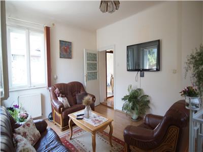 Vanzare Casa 4 Camere, 682 mp teren, in zona Paris In Centru
