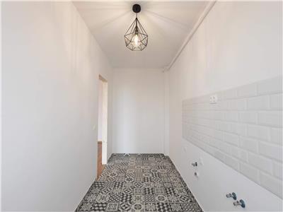 Vanzare apartament 1 camera cu priveliste si terasa in zona str Paris
