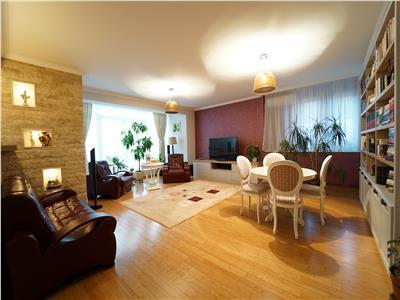 Apartament 3 camere  loc parcare   Strada inchisa   Campului_Eugen Lovinescu